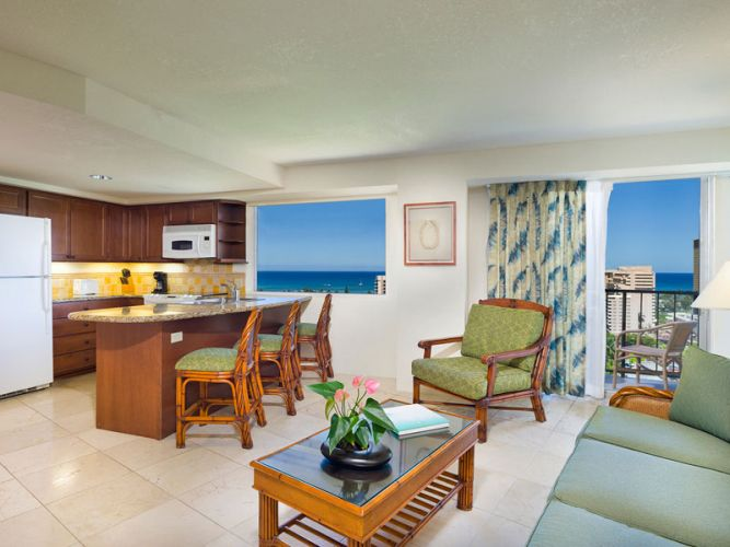 One Bedroom Ocean View Suite with Kitchen