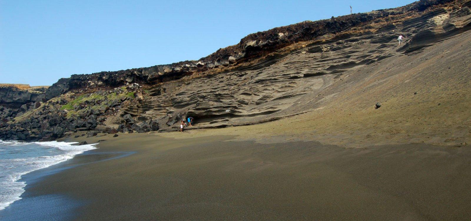 Green Sand Beach Papakolea Photo Gallery